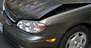 Unfallauto 310x165 - Höhere KFZ-Versicherungsprämien für Raser