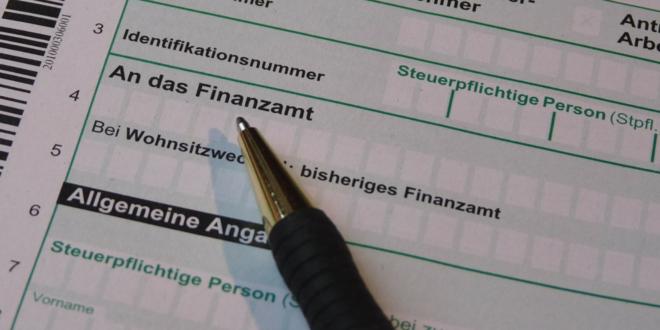 Steuererklaerung 660x330 - Steuererklärung - diese Versicherungen lassen sich absetzen