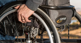 Rollstuhl 310x165 - Umfrage: Jeder zweite Deutsche will den Partner versichern